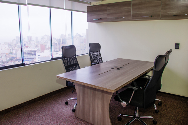 Lima coworking servicio de oficina virtual espacios de for Oficina virtual de empleo telefono